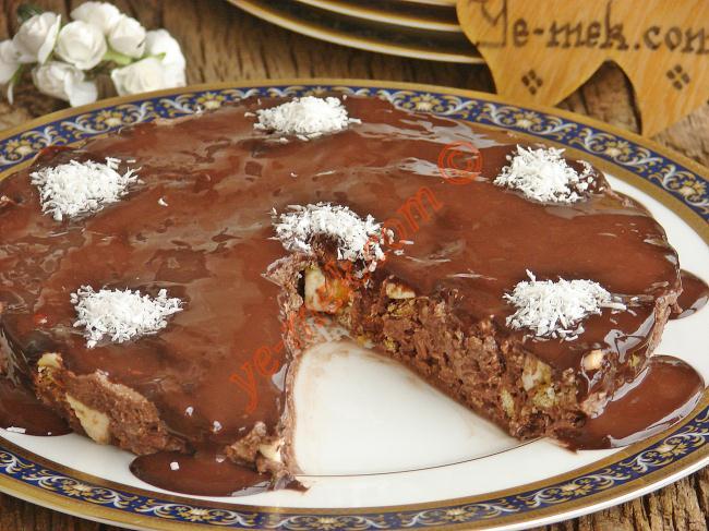 Marşmelovlu Halleyli Pasta