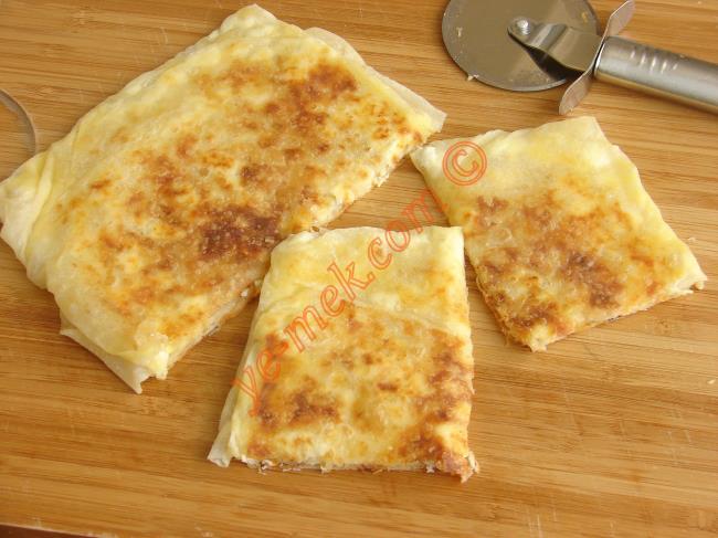 Karışık Peynirli Gözleme