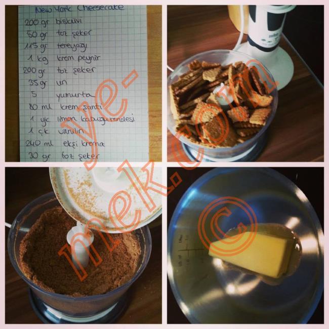 Newyork Usulü Cheesecake (Çiz Kek) (Mavi Mutfak) İçin Gerekli Malzemeler :  <ul> <li><b>Tabanı İçin:</b></li> <li>200 gram yulaflı bisküvi</li> <li>50 gram toz şeker</li> <li>115 gram tereyağı</li> <li><b>Peynirli karışım için:</b> <li>1 kg krem peynir </li> <li>200 gram toz şeker </li> <li>35 gram un </li>         <li>5 yumurta </li> <li>80 ml kremşanti</li> <li>1 yemek kaşığı limon kabuğu rendesi </li> <li>1 çay kaşığı vanilya </li>         <li><b>Üzeri İçin (Ekşi Sos İçin):</b></li> <li>240 gram (ekşi/tuzsuz) krema</li>         <li>30 gram toz şeker </li>         <li>Yarim çay kaşığı vanilya</li>         <li><b>Süslemek İçin:</b></li> <li>Taze meyveler (ahududu, yaban mersini gibi)</li>         <li><b>Pişirmek İçin:</b></li>         <li>20cm-26cm çapında kek kalıbı</li> </ul>