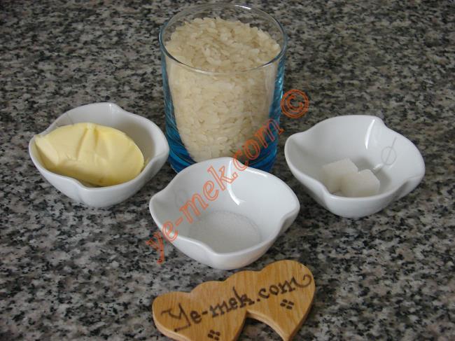 Sade Pirinç Pilavı Malzemeleri