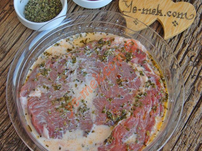 Lokum Gibi Etler Pişirmenin Sırrı : Süt İle Et Marinesi