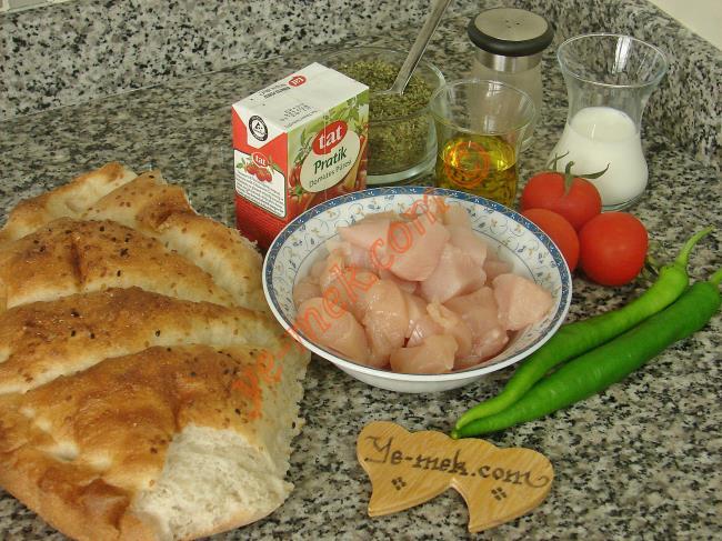 Pideli Tavuk Kebabı Malzemeleri