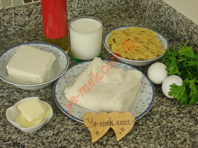 Makarnadan Yalancı Su Böreği Malzemeleri