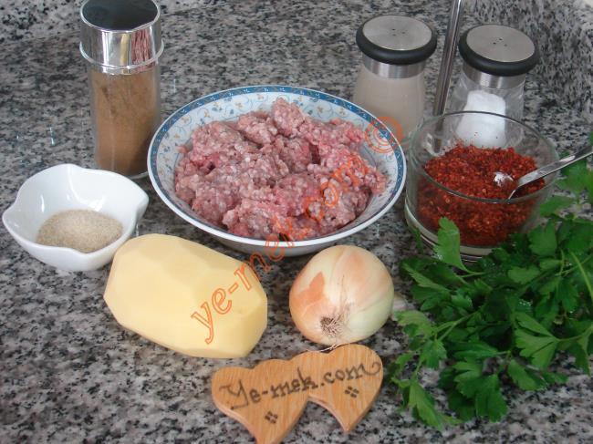 Patatesli Kıbrıs Köftesi Malzemeleri