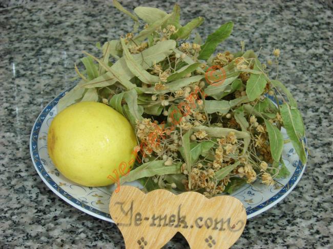 Limonlu Ihlamur Çayı İçin Gerekli Malzemeler :  <ul> <li>3 tutam ıhlamur</li> <li>3 dilim limon</li> <li>3 su bardağı sıcak su</li> </ul>