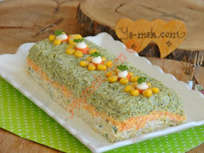 Sofralarınıza Görsel Bir Şölen : Üç Renkli Brokoli Salatası