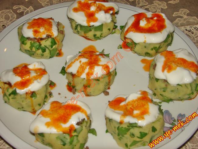 Kalıpta Yoğurtlu Patates Salatası Tarifi