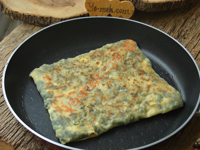 Ispanaklı Peynirli Gözleme (El Açması)