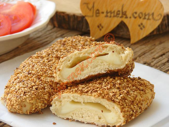 Kaşar Peynirli İçli Simit