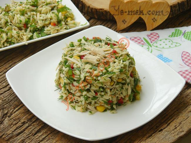 Tavuğu Bir de Salata da Görün. Birbirinden Nefis 10 Tavuklu Salata Tarifi