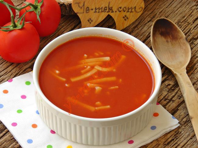 Erişteli Domates Çorbası Tarifi (Resimli Anlatım) | Yemek ...