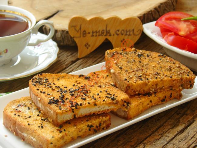 Baharatlı Ekmek Dilimleri