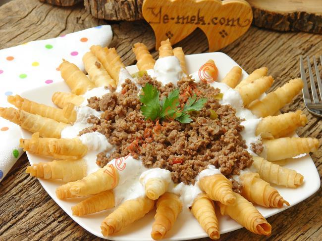 Hazır Yufkadan Ispanaklı Kol Böreği Tarifi