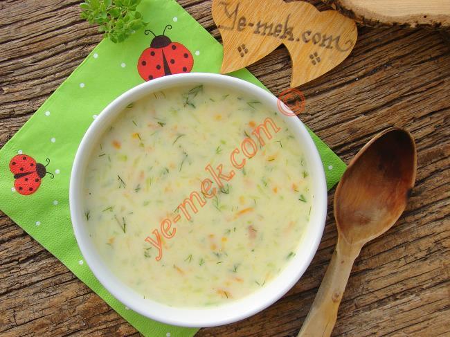 Ezogelin ve Mercimekten Sıkılanlar İçin 15 Değişik Sebze Çorbası Önerisi