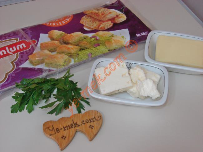 Baklavalık Yufkadan Porsiyonluk Peynirli Börek Malzemeleri