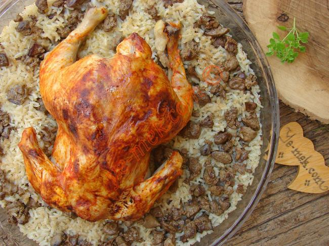 Fırında İç Pilavlı Bütün Tavuk