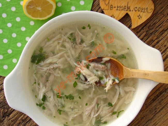 Sizi Grip Olmaktan Koruyacak 6 Şifalı Tavuk Çorbası Tarifi