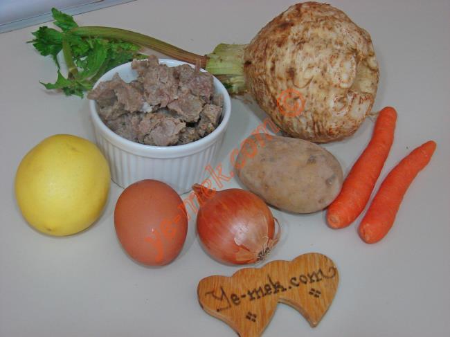 Etli Terbiyeli Kereviz Yemeği Malzemeleri