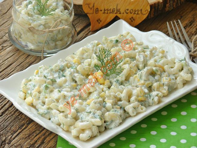 Közlenmiş Patlıcanlı Makarna Salatası