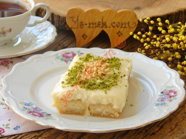 Bisküvili Porsiyonluk Pasta Tarifi
