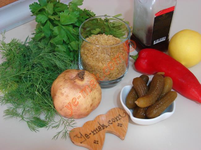 Narlı Bulgurlu Tabule Salatası Malzemeleri