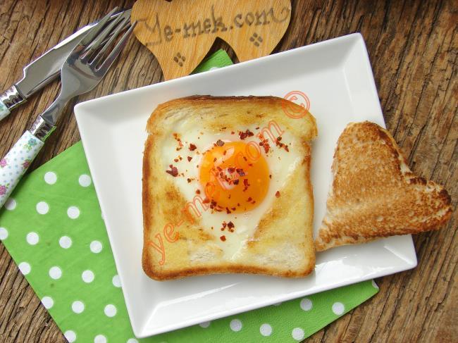 Ekmek İçinde Yumurta Nasıl Yapılır