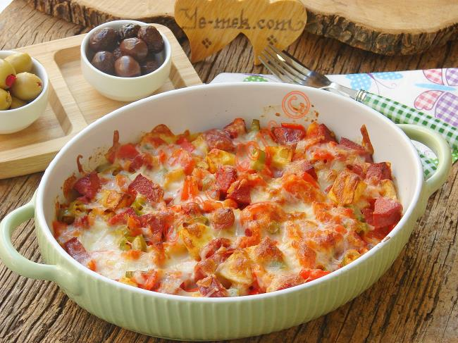 Fırında Kahvaltılık Sucuklu Patates
