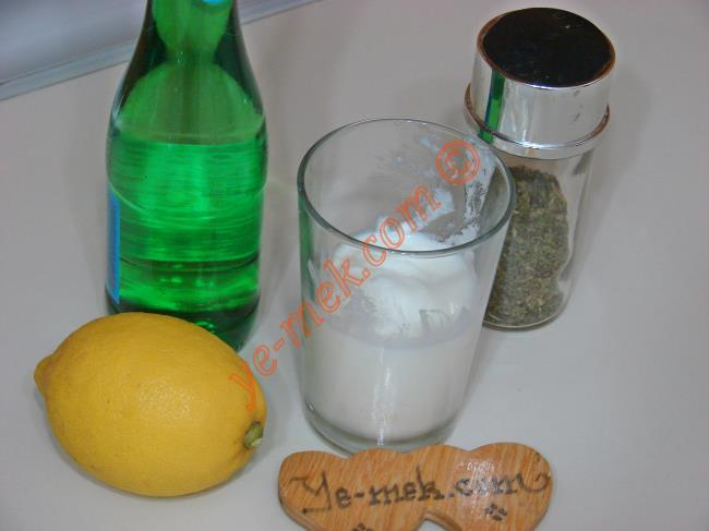 Göbek Eriten ve Kabızlık Gideren Yoğurt Kürü Malzemeleri