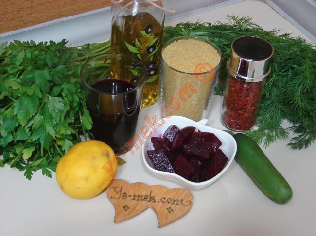 Kırmızı Pancarlı Kısır Malzemeleri