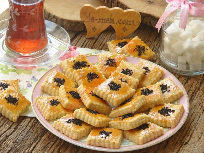 Çörek Otlu Tuzlu Kurabiye Tarifleri