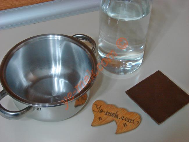 Benmari Yöntemi İle Çikolata Eritme Malzemeleri
