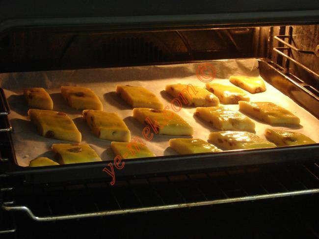 Pastane Usulü Üzümlü Kurabiye