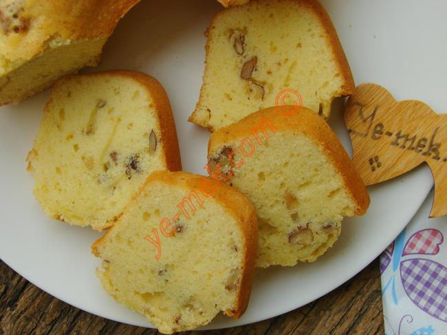 Portakalın Aroması ve Cevizlerin Kıtırlığıyla, Nefis Bir Kek : Portakallı Cevizli Kek