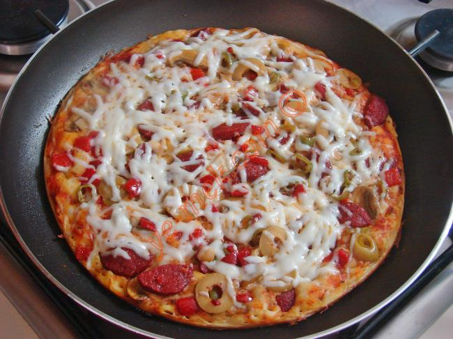 Tava Pizzası