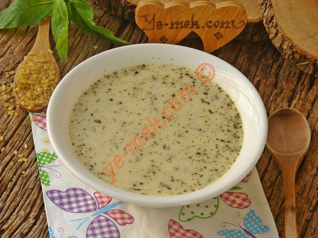 Yoğurtlu Bulgur Çorbası
