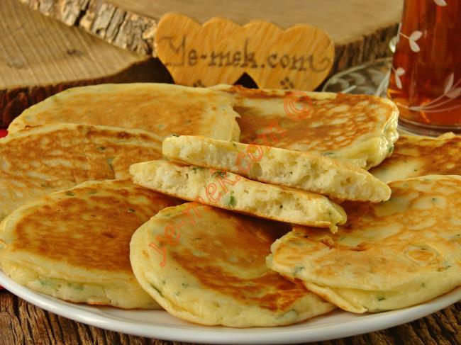 Kahvaltıya Yapabileceğiniz En Güzel Tarif : Peynirli Kaşık Dökmesi