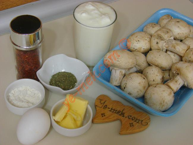Yoğurtlu Mantar Çorbası Malzemeleri