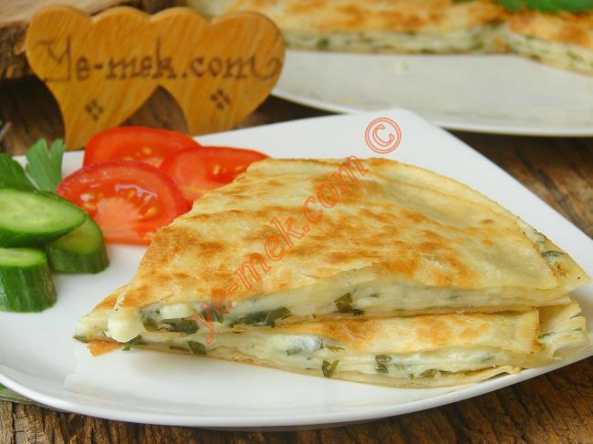 Peynirli Lavaş Böreği Nasıl Yapılır