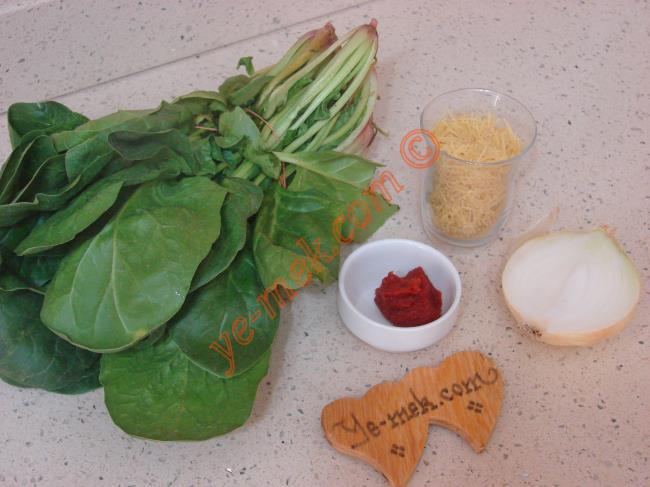Ispanaklı Şehriye Çorbası Malzemeleri