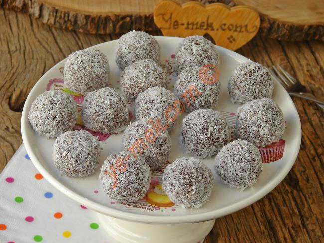 Kakaolu İrmik Topları