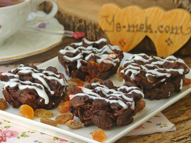 Kuru Meyveli Mısır Gevrekli Çikolatalı Tatlı