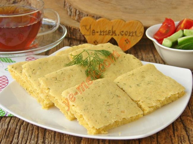 Tuzlu Kek Kıvamında Ezber Bozan Bir Ekmek : Peynirli Dereotlu Mısır Ekmeği