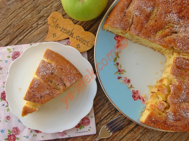Yumuşacık Yapısı, Muazzam Lezzetiyle Yemeye Doyamayacağınız : Elmalı Kek