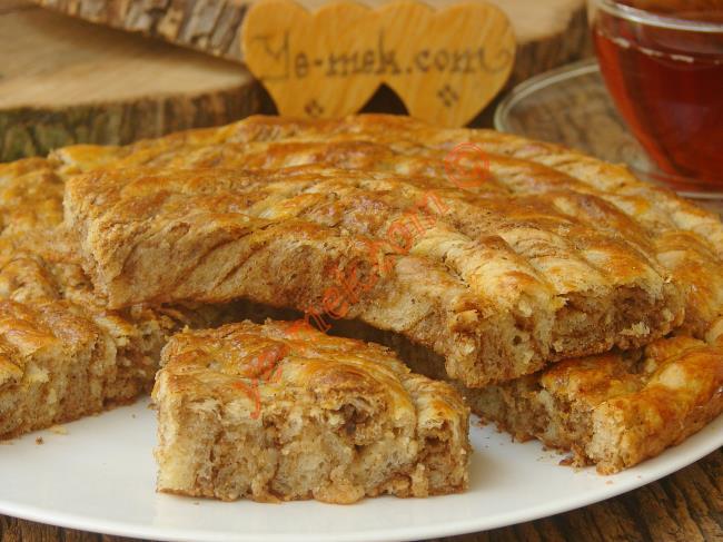 Tel Tel Ayrılan, Yumuşak Kıvamlı, Nefis Bir Çörek : Haşhaşlı Cevizli Burma Çörek