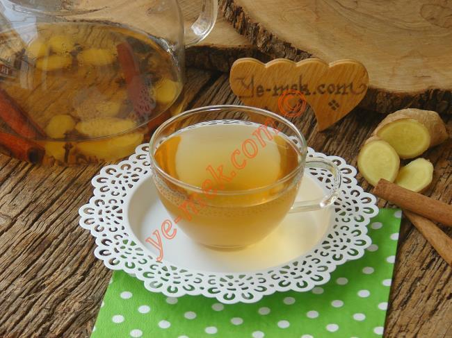 Hazırladığınız tarçınlı zencefilli karanfil çayı oda ısısında ılımaya bırakın. Daha sonra bu çayı sabah ve akşam yemeklerden 30 dakika önce aç karnına içebilirsiniz.