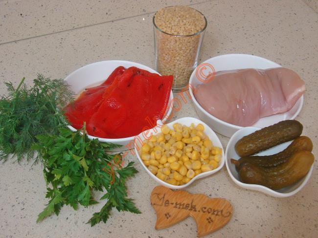 Tavuklu Kuskus Salatası Malzemeleri