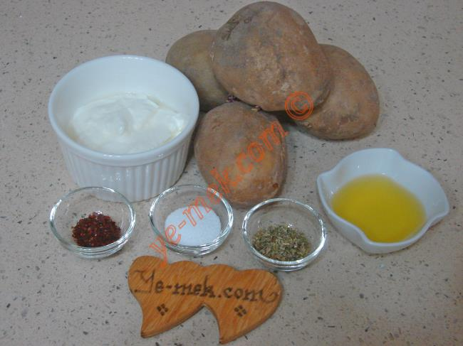 Fırında Yoğurtlu Patates Kızartması Malzemeleri