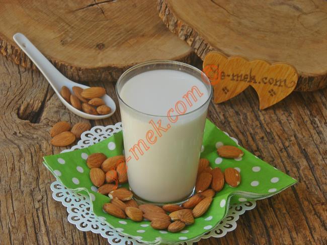 Badem Sütü İle Neler Yapılır