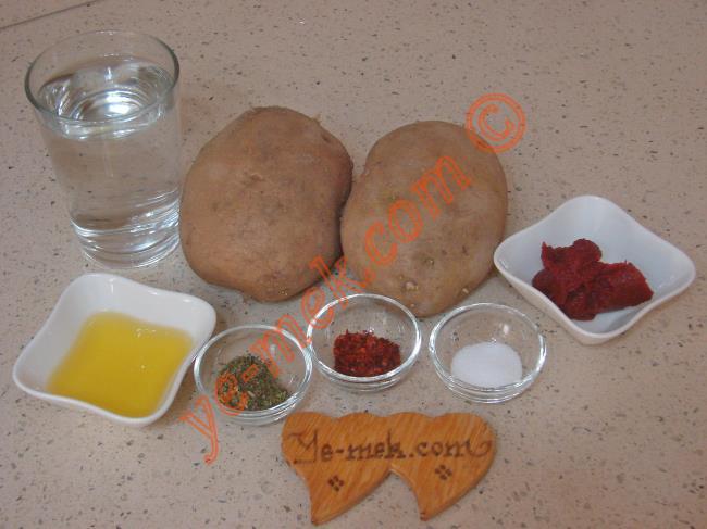Fırında Salçalı Patates Kızartması Malzemeleri