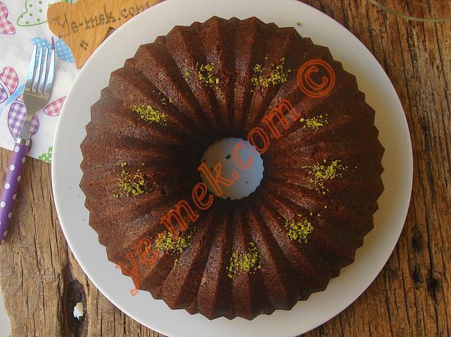 Damaklarda Yer Edinecek Enfes Bir Kek : Kakaolu Havuçlu Kek